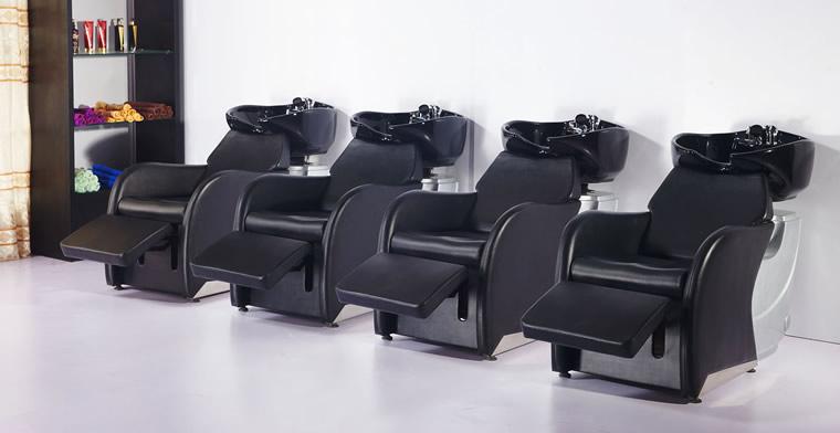 صندلیهای شست و شو یکی کاربردیترین انواع صندلیهای آرایشگاهی است